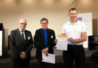Martin Schultz mit Prof. Gaebel vom Aktionsbündnis Seelische Gesundheit (links) und dem Präsidenten der DGPPN Prof. Andreas Heinz.