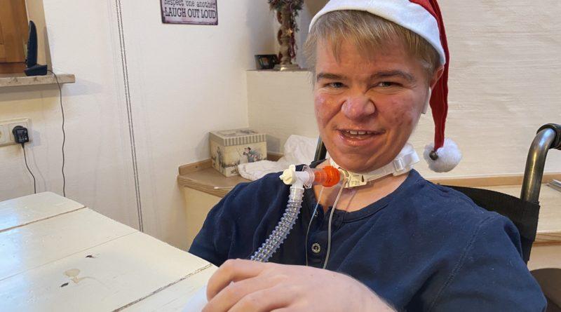Benni Over mit Weihnachtsmütze